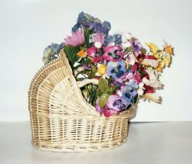 Bassinet with Flowers